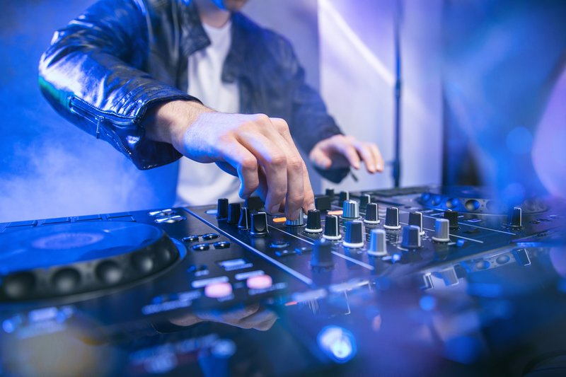 reviews of the best dj mixing boards on the market